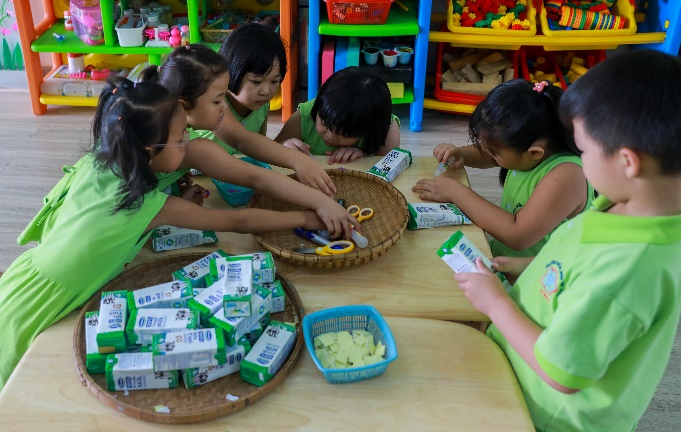 Thêm nhiều niềm vui đến lớp cho trẻ với giờ uống sữa học đường - Ảnh 7.