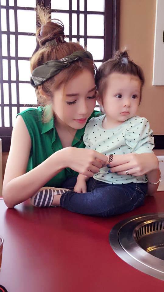 Lâu lắm Elly Trần mới khoe hình con gái, ai ngờ Cadie Mộc Trà đã điệu như nàng thơ - Ảnh 10.