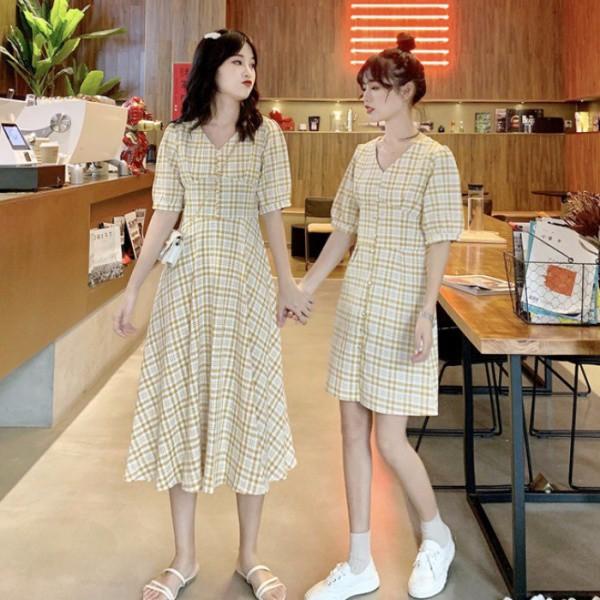 Chẳng váy đầm lộng lẫy, Nam Em và chị gái diện đồ đôi bình dị mà vẫn đẹp xao xuyến - Ảnh 16.