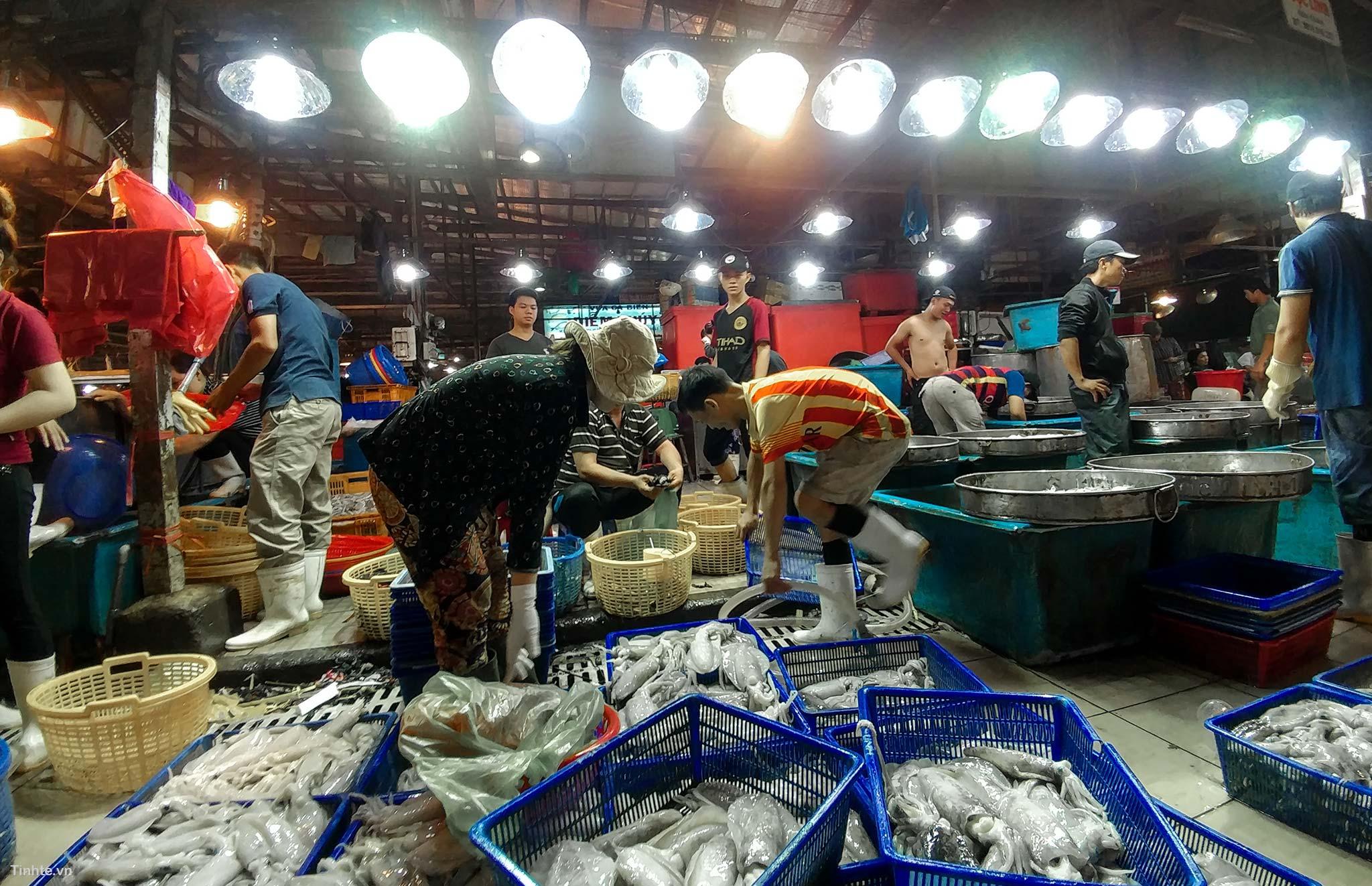 Khám phá những khu chợ đầu mối lớn nhất Việt Nam - Ảnh 5.