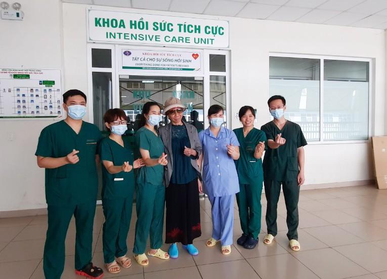 Hôm nay, bệnh nhân 19 chính thức xuất viện và được trở về nhà tại TPHCM - Ảnh 4.