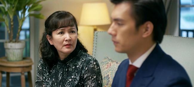 """Tình Yêu Và Tham Vọng: Minh đính hôn với Tuệ Lâm, ai cũng tò mò """"quà đặc biệt"""" từ Phong - Ảnh 2."""