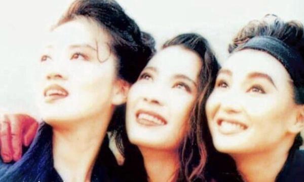 3 chị đại Hong Kong trong 1 khung hình: Người ra đi, kẻ hết thời, riêng đả nữ hạnh phúc - Ảnh 1.