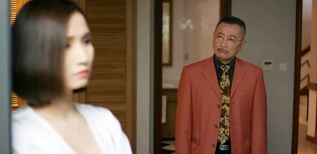 """Tình Yêu Và Tham Vọng: Minh đính hôn với Tuệ Lâm, ai cũng tò mò """"quà đặc biệt"""" từ Phong - Ảnh 5."""