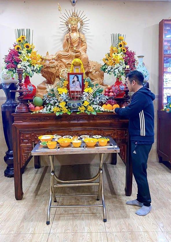 Bố mẹ Phùng Ngọc Huy cúng 100 ngày cho Mai Phương dù cô chưa từng làm dâu trong nhà - Ảnh 3.