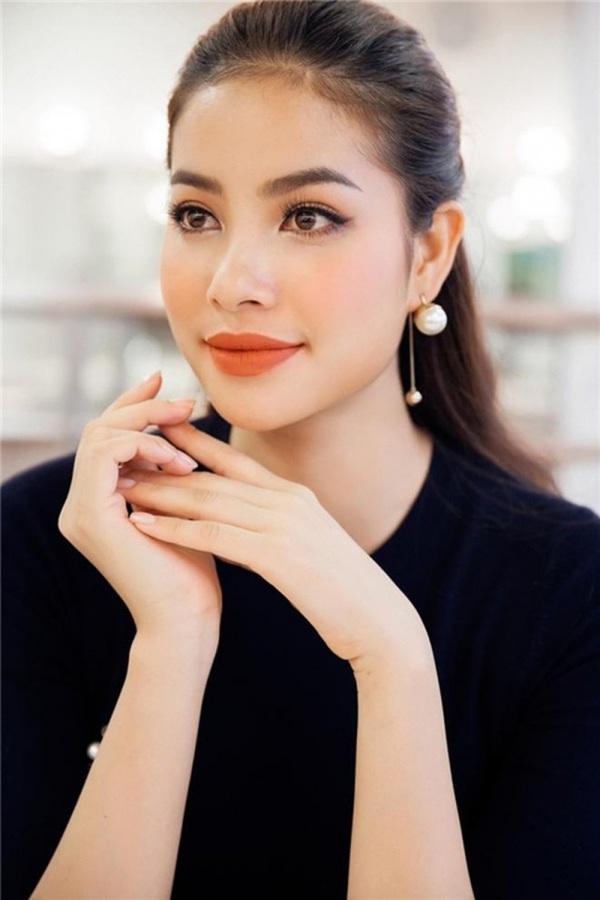 """Chỉnh sửa hàm răng """"sương sương"""", dàn Hoa hậu Việt Nam lên hương nhan sắc thấy rõ - Ảnh 3."""