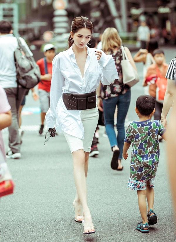 Luôn mặc đẹp đã đành, các mỹ nhân Vbiz còn rất khéo trong khoản chọn giày dép giúp tôn dáng - Ảnh 5.