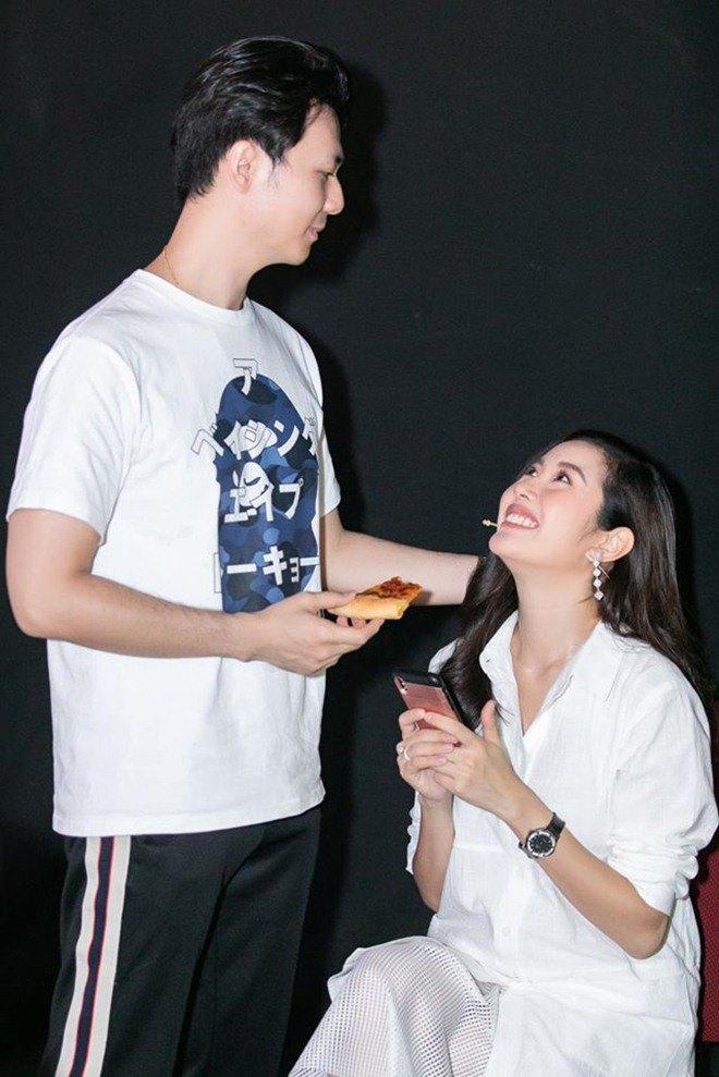 """Sắp làm dâu gia đình """"trâm anh thế phiệt"""", Thuý Vân liên tục khoe trình vào bếp đảm đang - Ảnh 3."""