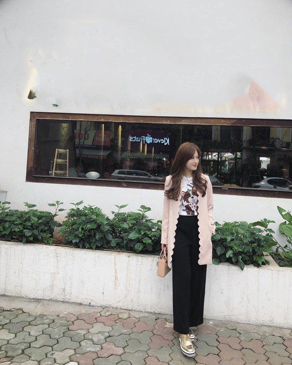 Em gái Huyền Baby đẹp ngọt ngào, mê diện váy xòe như công chúa - Ảnh 5.