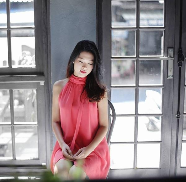 Em gái Huyền Baby đẹp ngọt ngào, mê diện váy xòe như công chúa - Ảnh 17.
