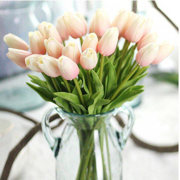 Những loại hoa đẹp mấy cũng không nên rước vào nhà, loại thứ 3 nhiều người chơi nhất - Ảnh 1.