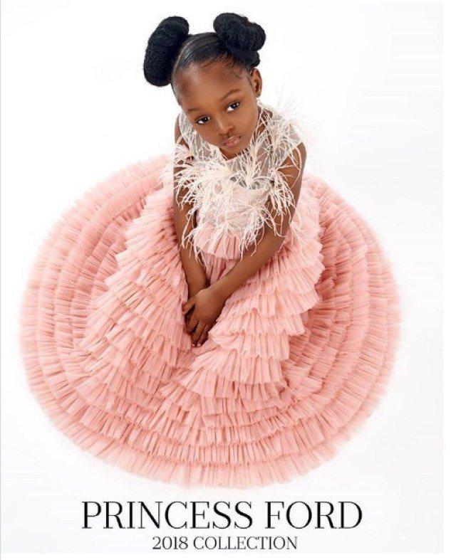 Cuộc sống sang chảnh của cô bé châu Phi đẹp nhất thế giới sau 2 năm nổi tiếng - Ảnh 8.