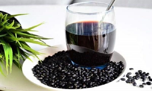 Uống nước đậu đen giải nhiệt cực tốt nhưng chớ dùng theo cách này dễ gây nguy hiểm - Ảnh 2.