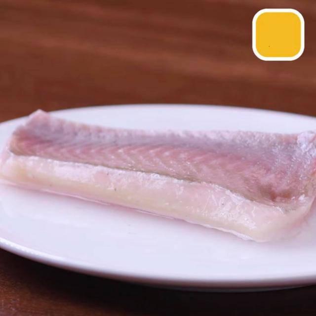 8 cách bóc vỏ thực phẩm không cần dao kéo khiến chị em vụng cũng thành đầu bếp 5 sao - Ảnh 6.