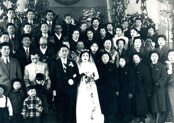 Con gái nhà Samsung được gả vào nhà LG làm dâu: Tưởng an phận hưởng thái bình nhưng đột ngột tham gia cuộc chiến tranh tài sản của gia đình - Ảnh 2.