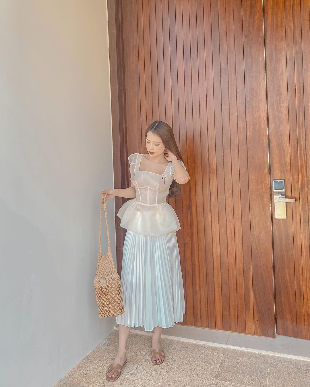 Các mỹ nhân Việt có loạt cách diện chân váy siêu xinh, bạn áp dụng thì sẽ đẹp mọi lúc mọi nơi - Ảnh 8.