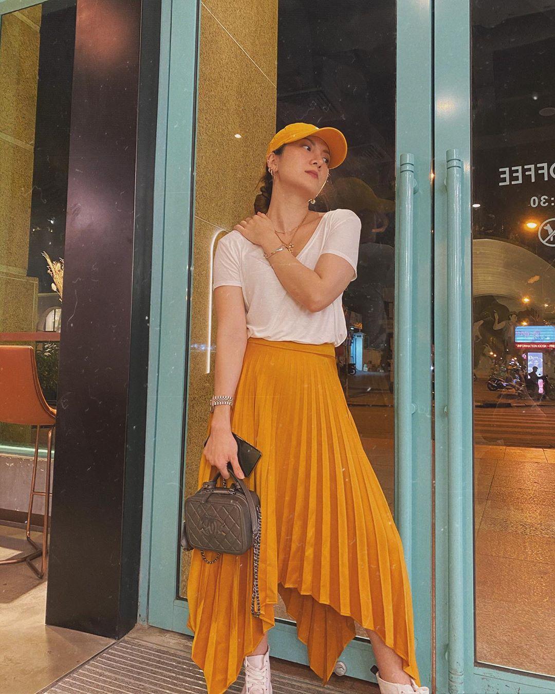 Các mỹ nhân Việt có loạt cách diện chân váy siêu xinh, bạn áp dụng thì sẽ đẹp mọi lúc mọi nơi - Ảnh 4.