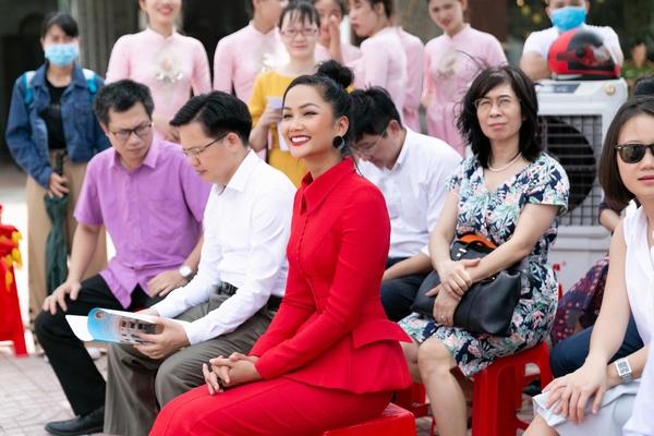 2 Hoa hậu tham gia tuyên truyền công tác phòng chống mua bán người - Ảnh 1.