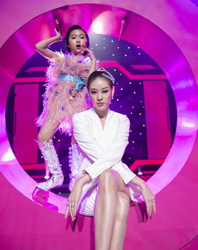 """Hoa hậu Hoàn vũ Việt Nam quyết định """"nhường vương miện"""" cho bé gái cao thủ này - Ảnh 6."""