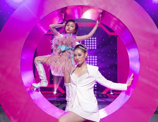 """Hoa hậu Hoàn vũ Việt Nam quyết định """"nhường vương miện"""" cho bé gái cao thủ này - Ảnh 5."""