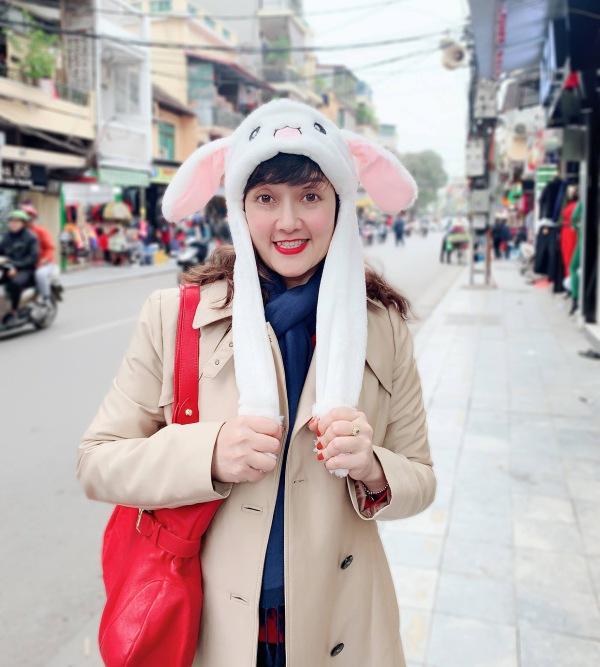 Nghệ sĩ hài Vân Dung: Thi Hoa hậu cùng để cổ vũ chị gái nhưng đậu luôn Top 15 - Ảnh 12.