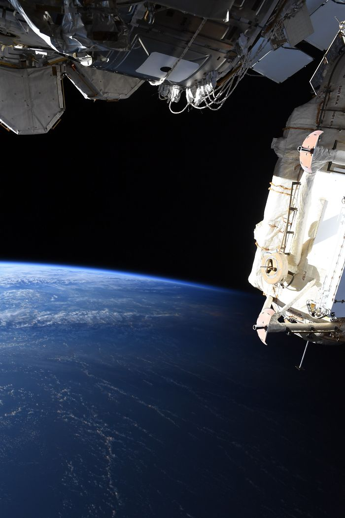 Phi hành gia NASA chia sẻ hình ảnh mãn nhãn về ranh giới ngày và đêm trên trái đất nhìn từ vũ trụ - Ảnh 3.