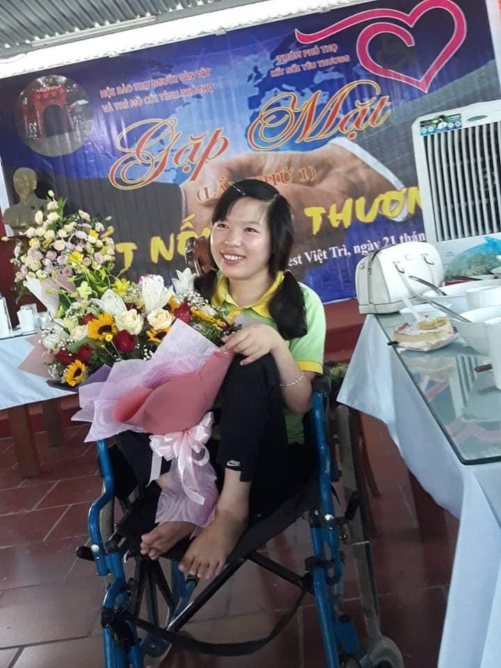 Chuyện về cô gái 29 tuổi ngồi xe lăn, cả thanh xuân gửi hồn vào những bức tranh giấy - Ảnh 2.