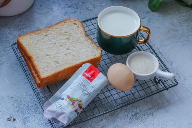 Không kịp đi chợ, nhà còn gì nấu đấy lại được bữa sáng tuyệt ngon - Ảnh 1.