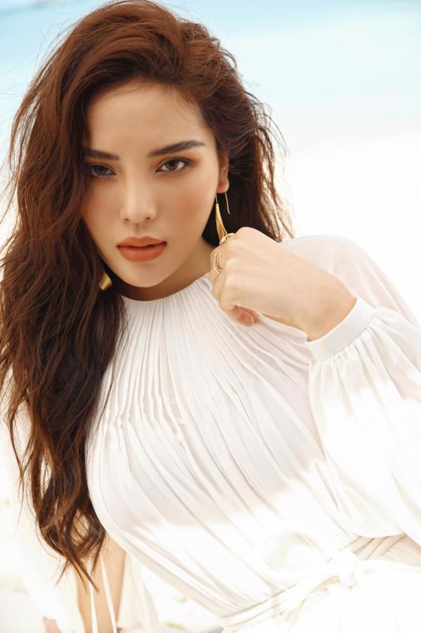 Nàng Hoa hậu dũng cảm thừa nhận chỉnh sửa nhan sắc, fans công nhận đẹp hơn lúc đăng quang - Ảnh 5.