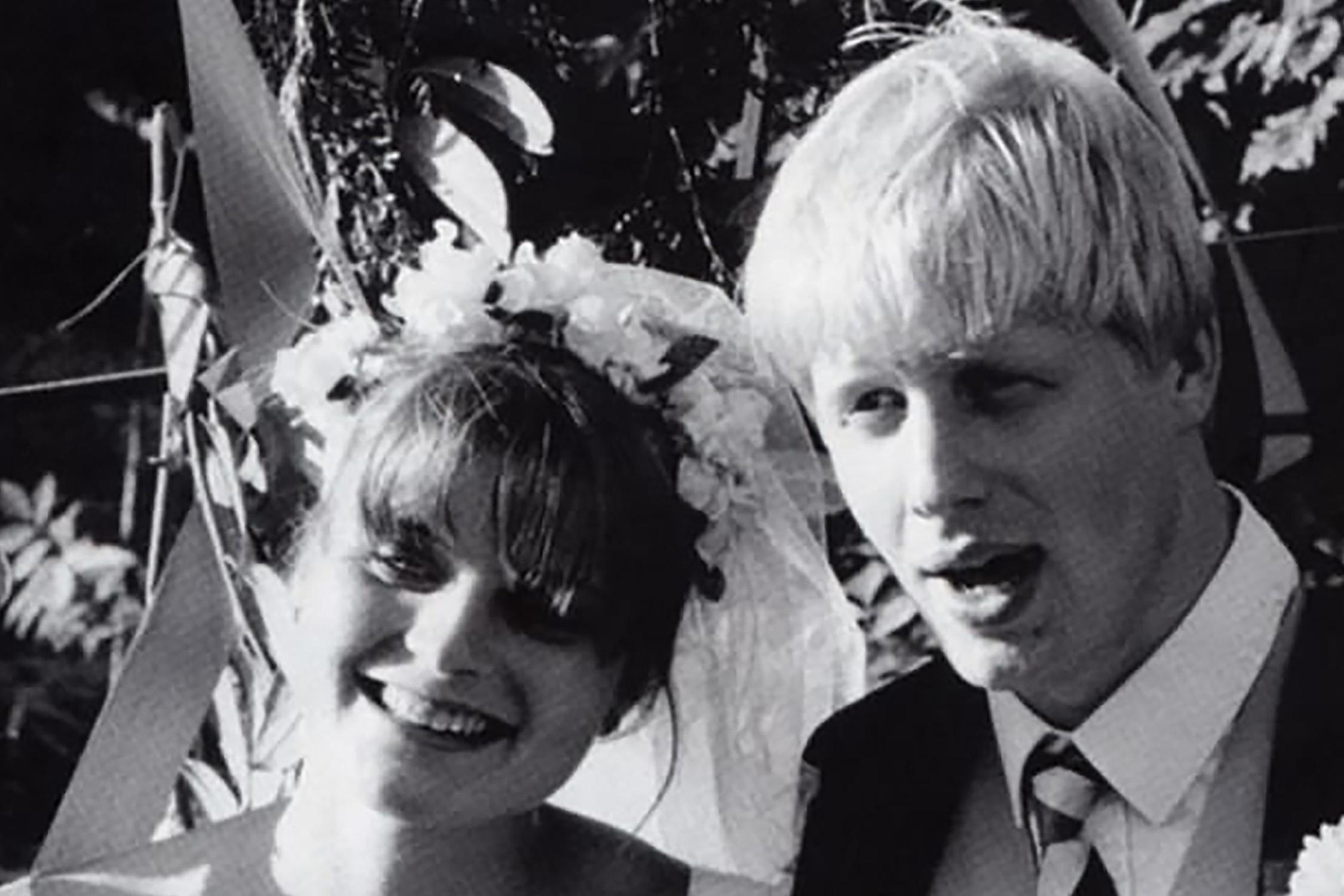Cuộc hôn nhân ít biết của Thủ tướng Anh: Thiếu cả quần và giày khi đến đám cưới chính mình và sự cao thượng khó tin của người vợ danh giá trước chuyện ly hôn - Ảnh 2.
