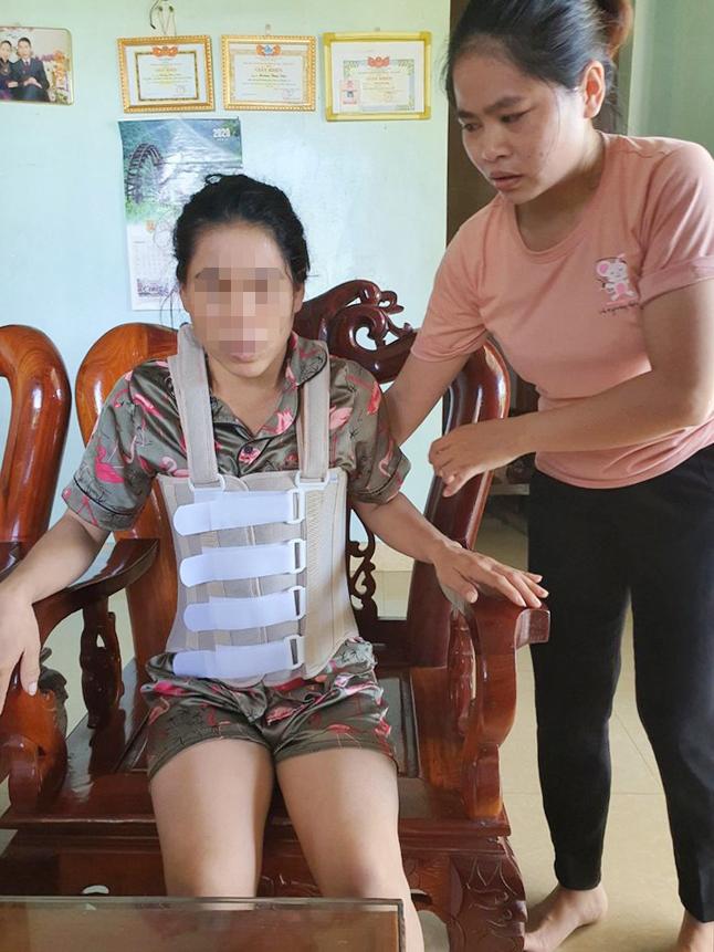 Quảng Bình: Một phụ nữ bị chồng bạo hành suốt 11 năm - Ảnh 1.