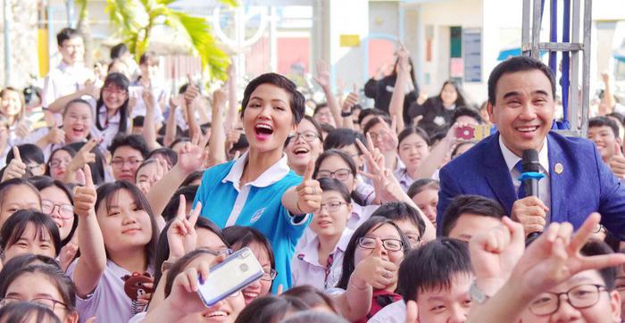 5 cô gái Việt thành công nhất tại các cuộc thi sắc đẹp quốc tế trong thập kỷ qua - Ảnh 3.
