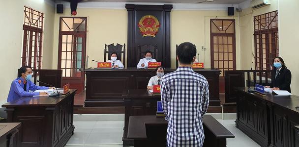 Cha dượng hờ hành hạ con riêng của vợ lĩnh mức án 8 năm tù - Ảnh 2.