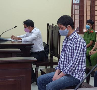 Cha dượng hờ hành hạ con riêng của vợ lĩnh mức án 8 năm tù - Ảnh 1.