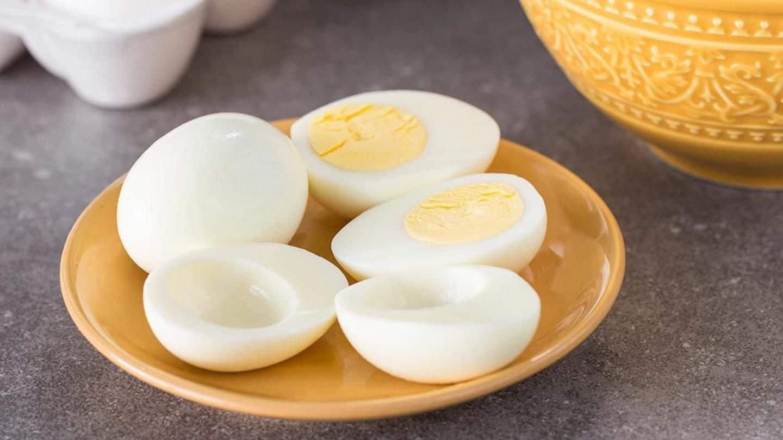 Ăn sống lòng trắng trứng gà: nhiều dinh dưỡng hơn hay rước bệnh vào người? - Ảnh 2.