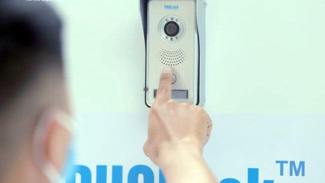 """Cây """"ATM khẩu trang"""" miễn phí giúp người Hà Nội chống Covid-19 - Ảnh 5."""