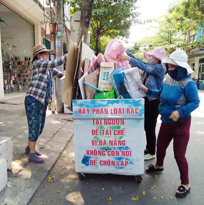 Thay đổi thói quen của hội viên, phụ nữ trong phân loại rác, giúp bảo vệ môi trường - Ảnh 2.