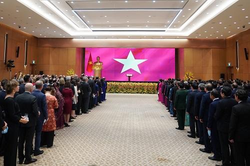 Tương lai của Việt Nam song hành với hòa bình, ổn định, hợp tác và thịnh vượng chung - Ảnh 1.