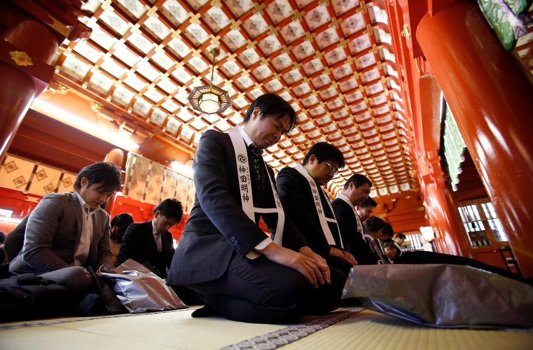 """Tại sao các """"đại gia"""" chủ doanh nghiệp đồ sộ Nhật Bản lại thường nhận con nuôi là đàn ông trưởng thành? - Ảnh 2."""