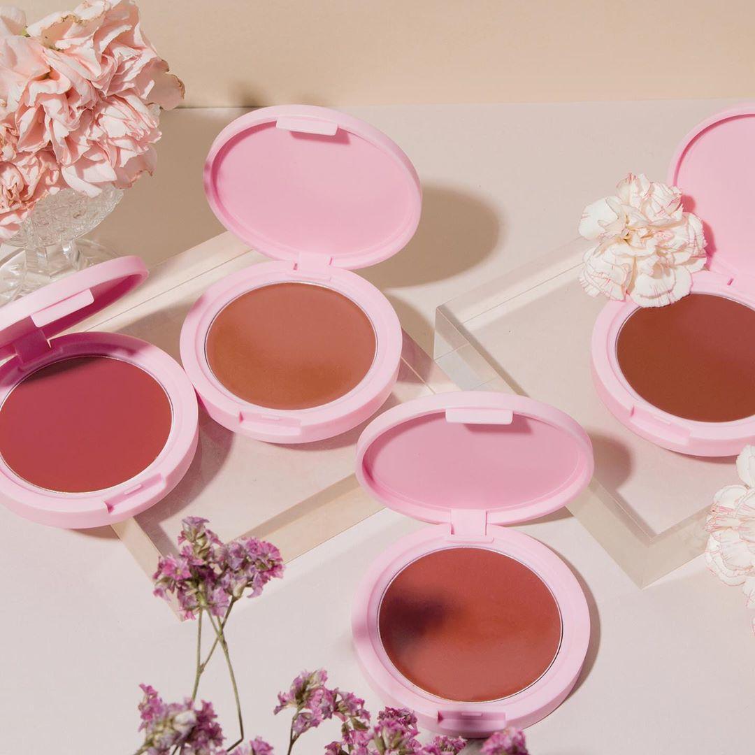Đầu tư chi cho tốn kém, nàng công sở chỉ cần có 5 món makeup này là đã trẻ xinh, nhan sắc lên hương rõ ràng - Ảnh 3.