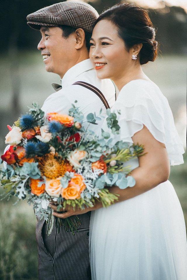 Cặp vợ chồng U60 và những tấm hình khiến nhiều đôi ở độ tuổi thanh xuân cũng phải ghen tị cùng cuộc hôn nhân 23 năm vẫn như thuở ban đầu - Ảnh 5.