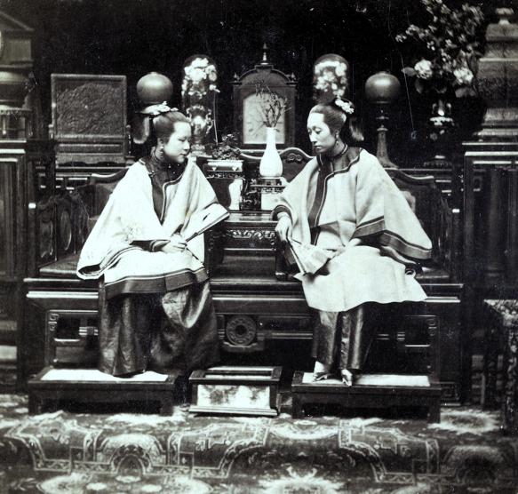 Loạt ảnh cũ phản ánh chân thật vẻ ngoài của các nữ nhân trong 1 gia đình quan chức triều nhà Thanh ngày xưa - Ảnh 5.