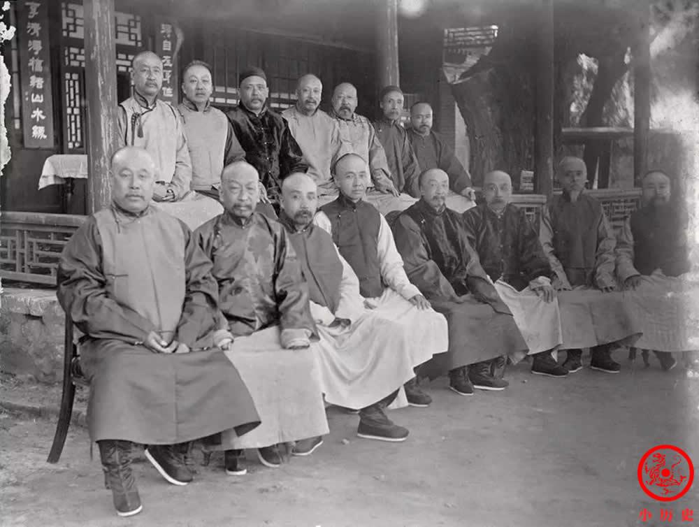 Loạt ảnh thật các vị quan văn võ cuối triều nhà Thanh dưới ống kính của nhiếp ảnh gia phương Tây - Ảnh 5.