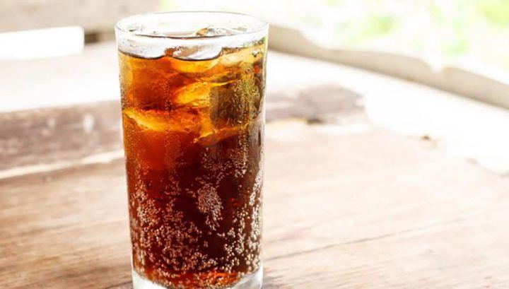 Chàng trai 18 tuổi phải vào viện chạy thận vì mỗi ngày đều uống thứ nước vạn người mê - Ảnh 3.