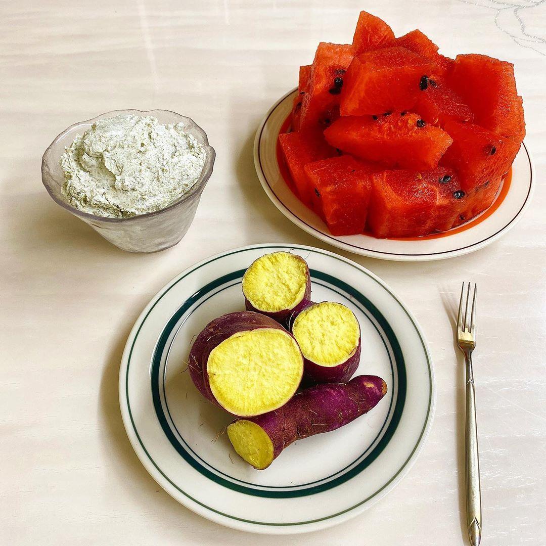 Ăn 5 loại thực phẩm này vào bữa sáng thì các chị em chẳng lo tích mỡ bụng, body luôn thon thả - Ảnh 1.