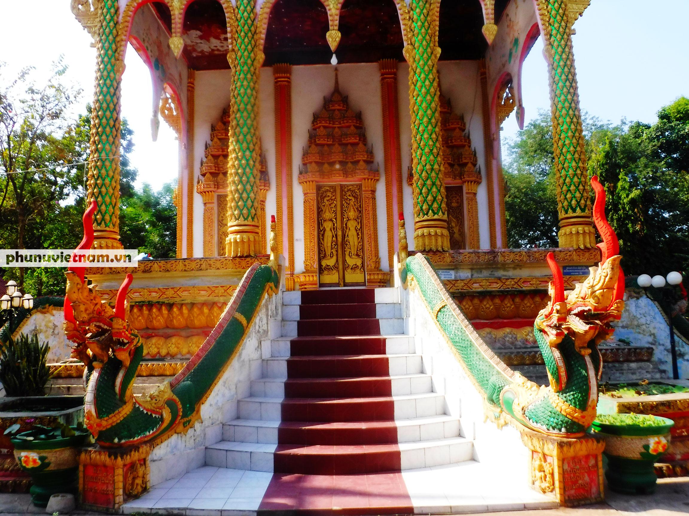 Độc đáo những bức tượng rắn trong các ngôi chùa ở Thủ đô Viêng Chăn - Ảnh 6.