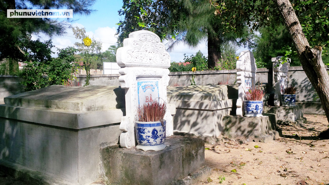 Kỳ lạ về nghĩa địa cá voi của người dân Quảng Bình - Ảnh 3.