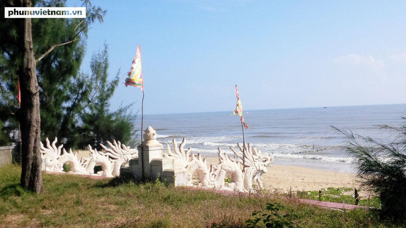 Kỳ lạ về nghĩa địa cá voi của người dân Quảng Bình - Ảnh 9.