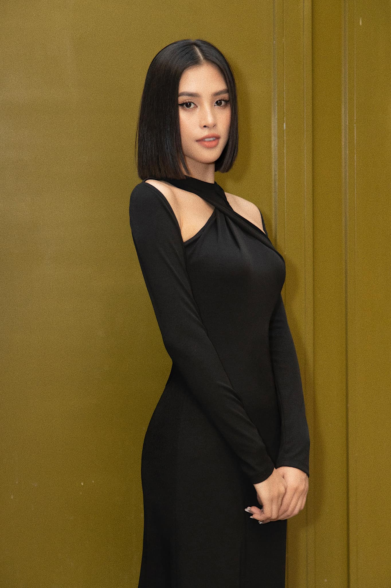 Sau Đỗ Mỹ Linh, HH Tiểu Vy cũng mạnh dạn thay đổi chi tiết này nhưng style lại gây thất vọng nhẹ - Ảnh 3.