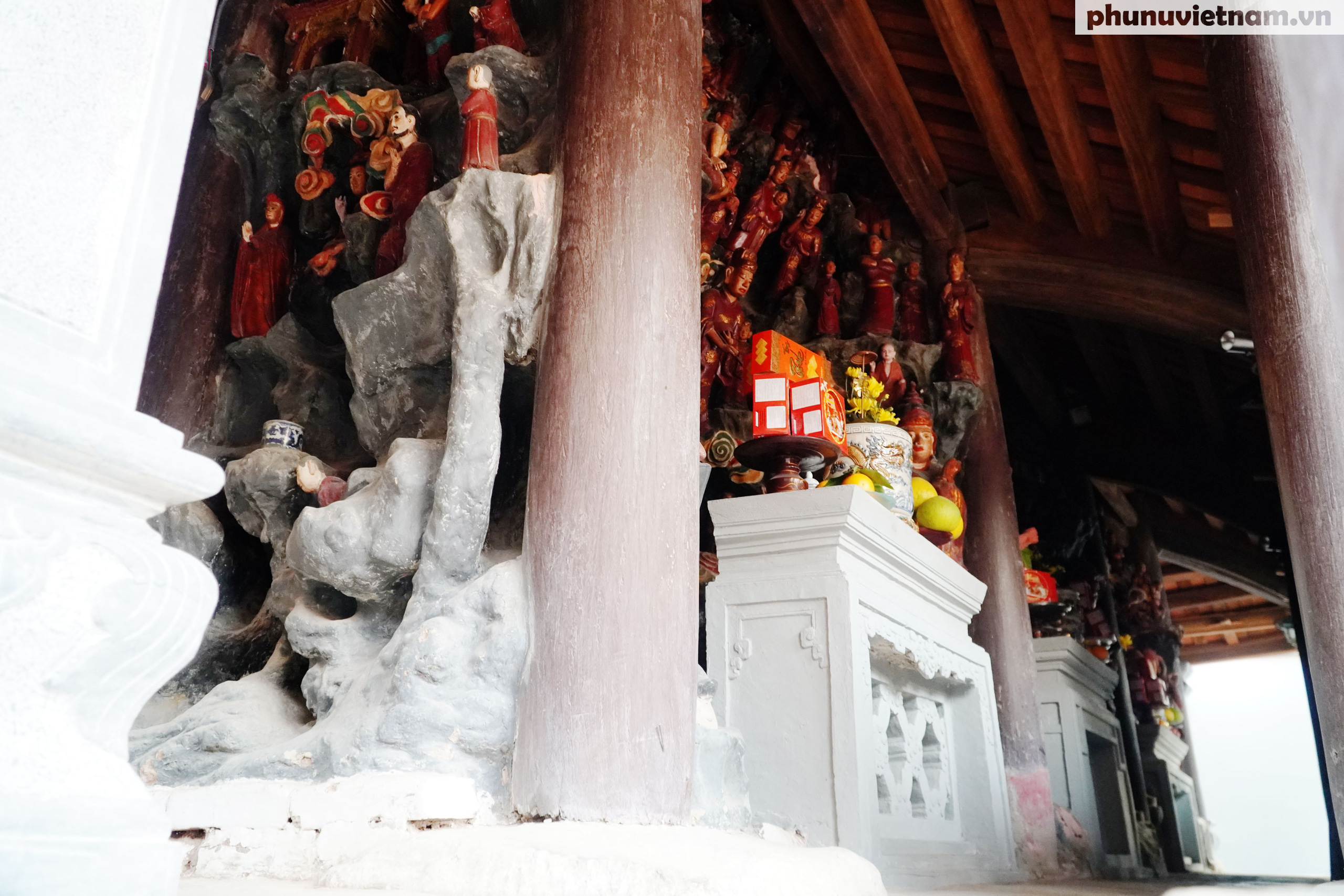 Ngỡ ngàng trước những kiệt tác bằng đất sét trên 200 tuổi về đạo Phật - Ảnh 2.